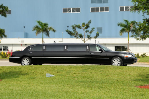 Hiring a Chauffeur Service During Your Hawaii Vacation